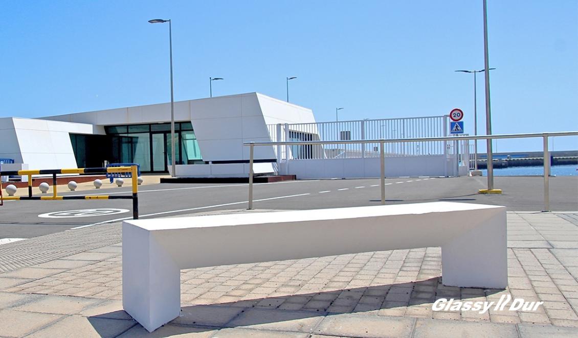 usos-del-hormigon-en-mobiliario-urbano-Puerto-Gran-Tarajal